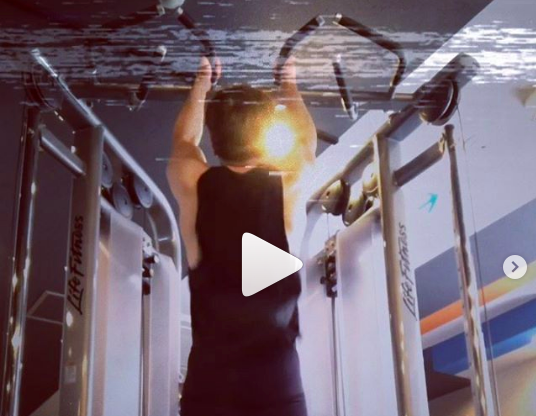 格安パーソナルトレーニングのカエルボディスタジオ-基本中のキホン 懸垂